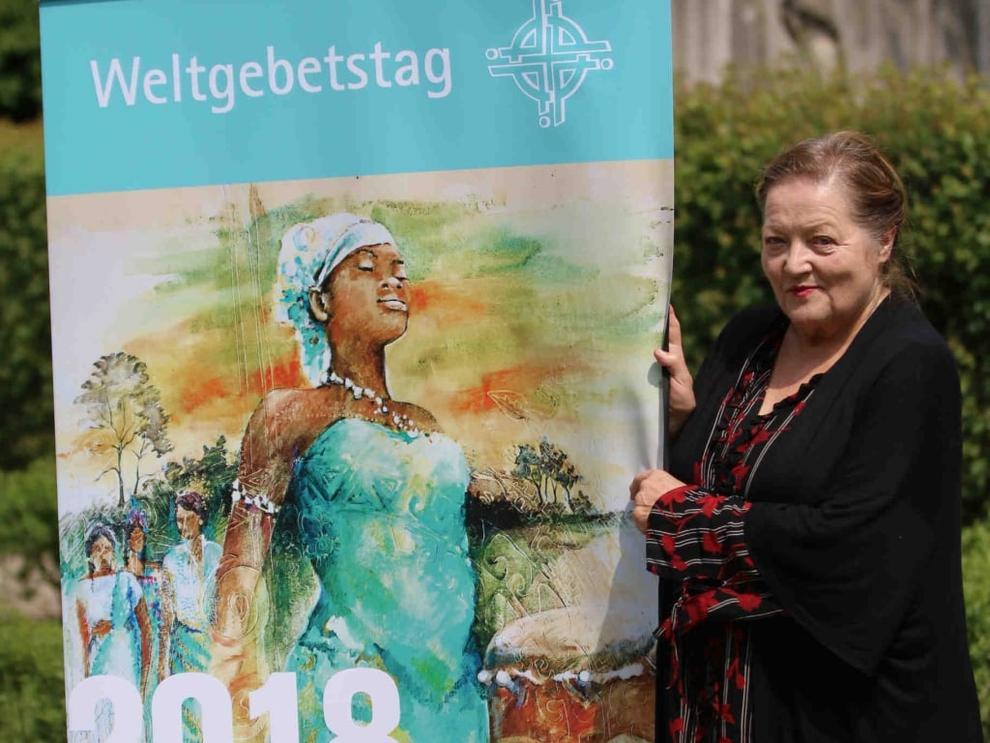 Foto: Marianne Sägebrecht zu Besuch beim Weltgebetstag in Nürnberg, © Udo Dreier