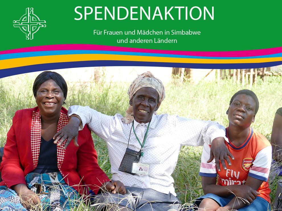 Drei Frauen aus Simbabwe sitzen auf einer Wiese, Schriftzug Spendenaufruf für Frauen und Mädchen in Simbabwe.
